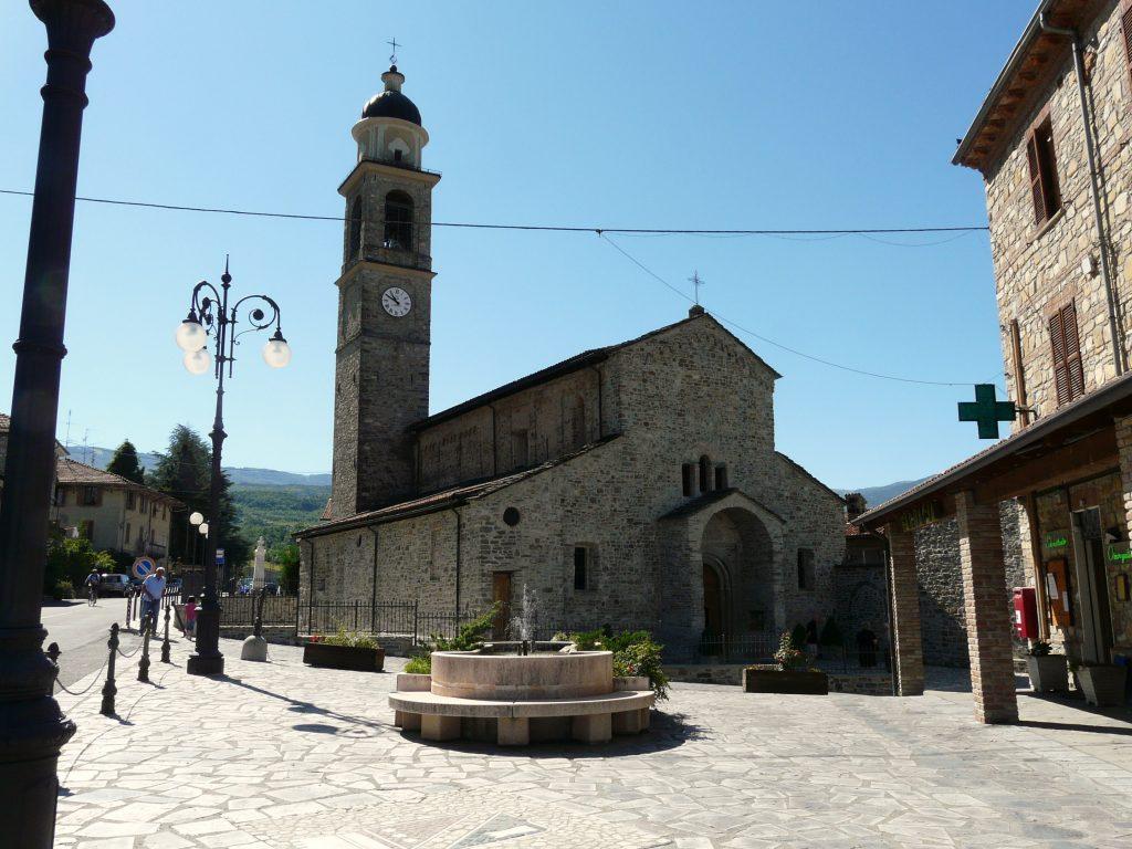 Fabbrica_Curone-pieve_santa_maria_assunta-complesso_esterno3.jpg